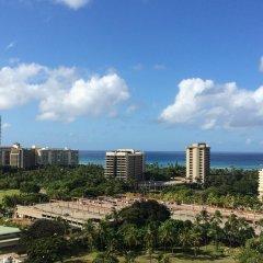 DoubleTree by Hilton Hotel Alana - Waikiki Beach пляж