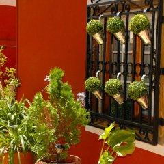 Отель Hostal Cervantes балкон