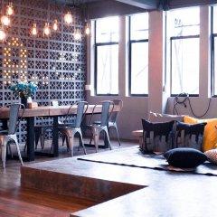 Silom Space Hostel Бангкок гостиничный бар