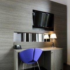 Отель The Manor Amsterdam 4* Улучшенный номер с различными типами кроватей фото 4