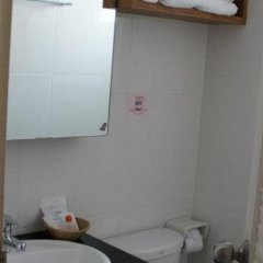 Отель Chinotel Таиланд, Пхукет - отзывы, цены и фото номеров - забронировать отель Chinotel онлайн ванная фото 2