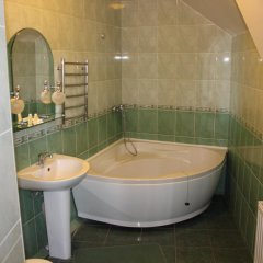 Гостиница Golden Lion Hotel Украина, Борисполь - отзывы, цены и фото номеров - забронировать гостиницу Golden Lion Hotel онлайн ванная