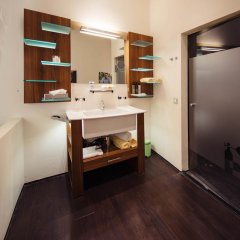 Hotel Rathaus - Wein & Design 4* Стандартный семейный номер с различными типами кроватей фото 2