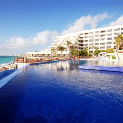 Отель Now Emerald Cancun бассейн фото 3