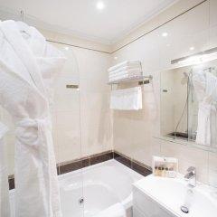 Гостиница Де Пари 4* Улучшенный номер с двуспальной кроватью фото 18