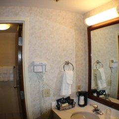 Отель All Seasons Inn and Suites 2* Стандартный номер с различными типами кроватей фото 4