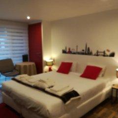Отель Bed & Breakfast Iles Sont D'ailleurs комната для гостей