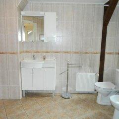 Отель Riga Holiday Apartments Латвия, Рига - отзывы, цены и фото номеров - забронировать отель Riga Holiday Apartments онлайн ванная