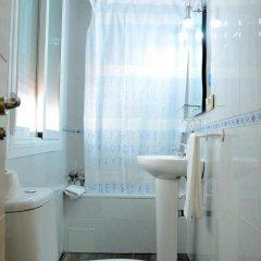 Отель Hostal Patria Madrid Испания, Мадрид - отзывы, цены и фото номеров - забронировать отель Hostal Patria Madrid онлайн ванная