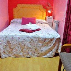 Отель Hostal Naranjos Стандартный номер с различными типами кроватей фото 6