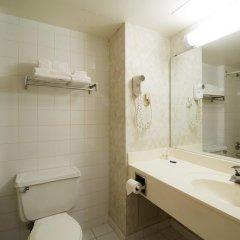 Отель Chestnut Residence and Conference Centre - University of Toronto ванная