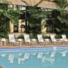 Отель Crystal Gateway Marriott бассейн