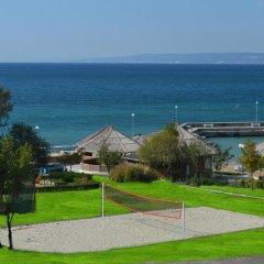Отель Royal Bay Resort All Inclusive Болгария, Балчик - отзывы, цены и фото номеров - забронировать отель Royal Bay Resort All Inclusive онлайн пляж фото 2