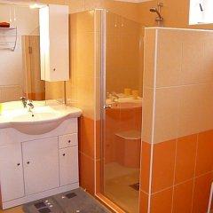 Отель Erika Apartman Венгрия, Хевиз - отзывы, цены и фото номеров - забронировать отель Erika Apartman онлайн ванная фото 2