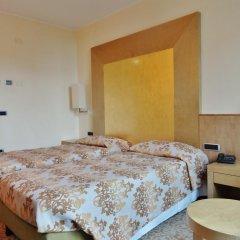 Hotel Tiffany Milano Треццано-суль-Навиглио сейф в номере фото 2