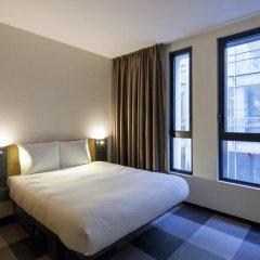 Отель easyHotel Brussels City Centre 3* Улучшенный номер с различными типами кроватей фото 9