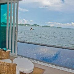Отель Raya Beachloft бассейн