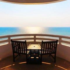 Отель D Varee Jomtien Beach 4* Улучшенный номер с различными типами кроватей фото 17
