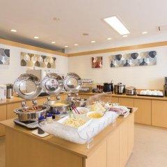 Отель Nishitetsu Inn Tenjin 3* Улучшенный номер фото 6