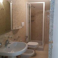 Отель Montecolo Resort Манерба-дель-Гарда ванная фото 2