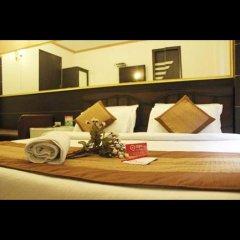Hotel Amrit Villa бассейн