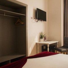 Отель Lisbon Arsenal Suites Лиссабон сейф в номере