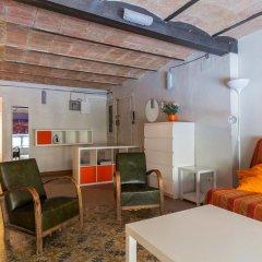 Отель Flateli Jaume Fabra Испания, Барселона - отзывы, цены и фото номеров - забронировать отель Flateli Jaume Fabra онлайн комната для гостей фото 4