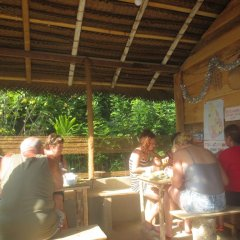 Отель Jungle Holiday Home Хиккадува интерьер отеля