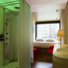 Отель citizenM New York Times Square 4* Стандартный номер с двуспальной кроватью фото 2