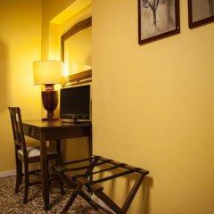 Отель Locanda Ai Santi Apostoli 3* Стандартный номер с различными типами кроватей фото 32