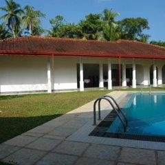 Отель Hasara Resort Бентота бассейн