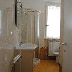 Отель Zeus Apartments Италия, Порто Реканати - отзывы, цены и фото номеров - забронировать отель Zeus Apartments онлайн ванная