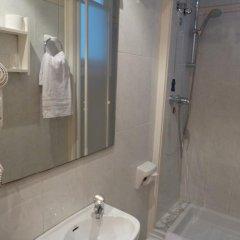 Отель Hostal Iznajar Barcelona Испания, Барселона - отзывы, цены и фото номеров - забронировать отель Hostal Iznajar Barcelona онлайн ванная