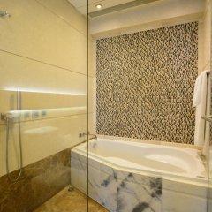Отель Harbour Grand Hong Kong 4* Улучшенный номер с различными типами кроватей фото 2