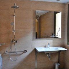 Gran Hotel Barcino 4* Стандартный номер с двуспальной кроватью фото 27