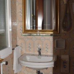 Отель Albergo Basilea 3* Стандартный номер фото 9