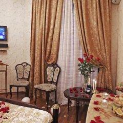 Мини-Отель Алекс на Марата Люкс с различными типами кроватей фото 3