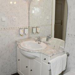 Hotel Sant Georg 4* Стандартный номер с двуспальной кроватью фото 14