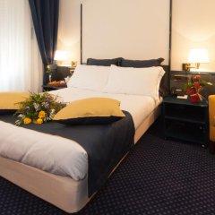 Отель IH Hotels Milano Ambasciatori 4* Улучшенный номер с различными типами кроватей фото 9