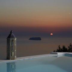 Отель Athermi Suites Греция, Остров Санторини - отзывы, цены и фото номеров - забронировать отель Athermi Suites онлайн бассейн фото 2