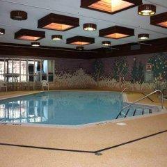 Отель Toronto Plaza Hotel Канада, Торонто - отзывы, цены и фото номеров - забронировать отель Toronto Plaza Hotel онлайн бассейн
