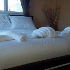 Отель Patamnak Beach Guesthouse 3* Улучшенный номер с различными типами кроватей фото 2