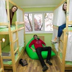 Hostel Ogurets Кровати в общем номере с двухъярусными кроватями фото 10