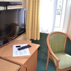 Отель La Grande Cloche 3* Номер с общей ванной комнатой фото 2