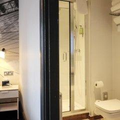 Отель The Wellington Hotel Великобритания, Лондон - 6 отзывов об отеле, цены и фото номеров - забронировать отель The Wellington Hotel онлайн ванная фото 2
