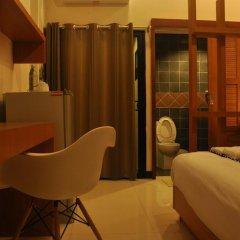Отель Euanjitt Chill House 3* Улучшенный номер с различными типами кроватей фото 6