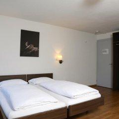Hotel Crystal 3* Улучшенный номер с 2 отдельными кроватями фото 3