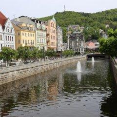 Отель Palacky Чехия, Карловы Вары - 1 отзыв об отеле, цены и фото номеров - забронировать отель Palacky онлайн приотельная территория фото 2