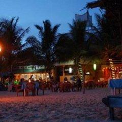 International Beach Hotel & Restaurant гостиничный бар