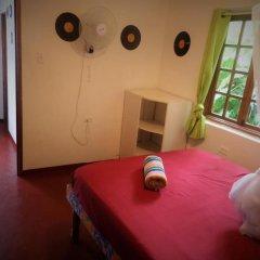 Отель La Familia Resort and Restaurant 3* Стандартный семейный номер с двуспальной кроватью фото 5